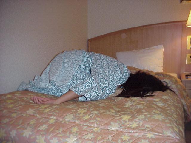 お泊り旅行で浴衣が肌蹴たセフレや彼女を勝手に写メってネット投稿したエロ画像 380