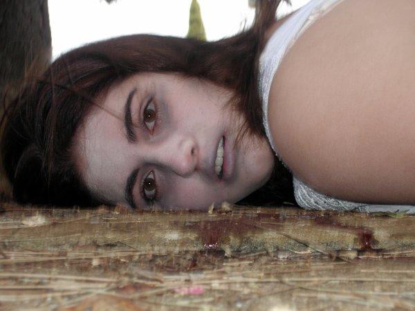 外人美女がレイプされ殺害されたエロ画像 414