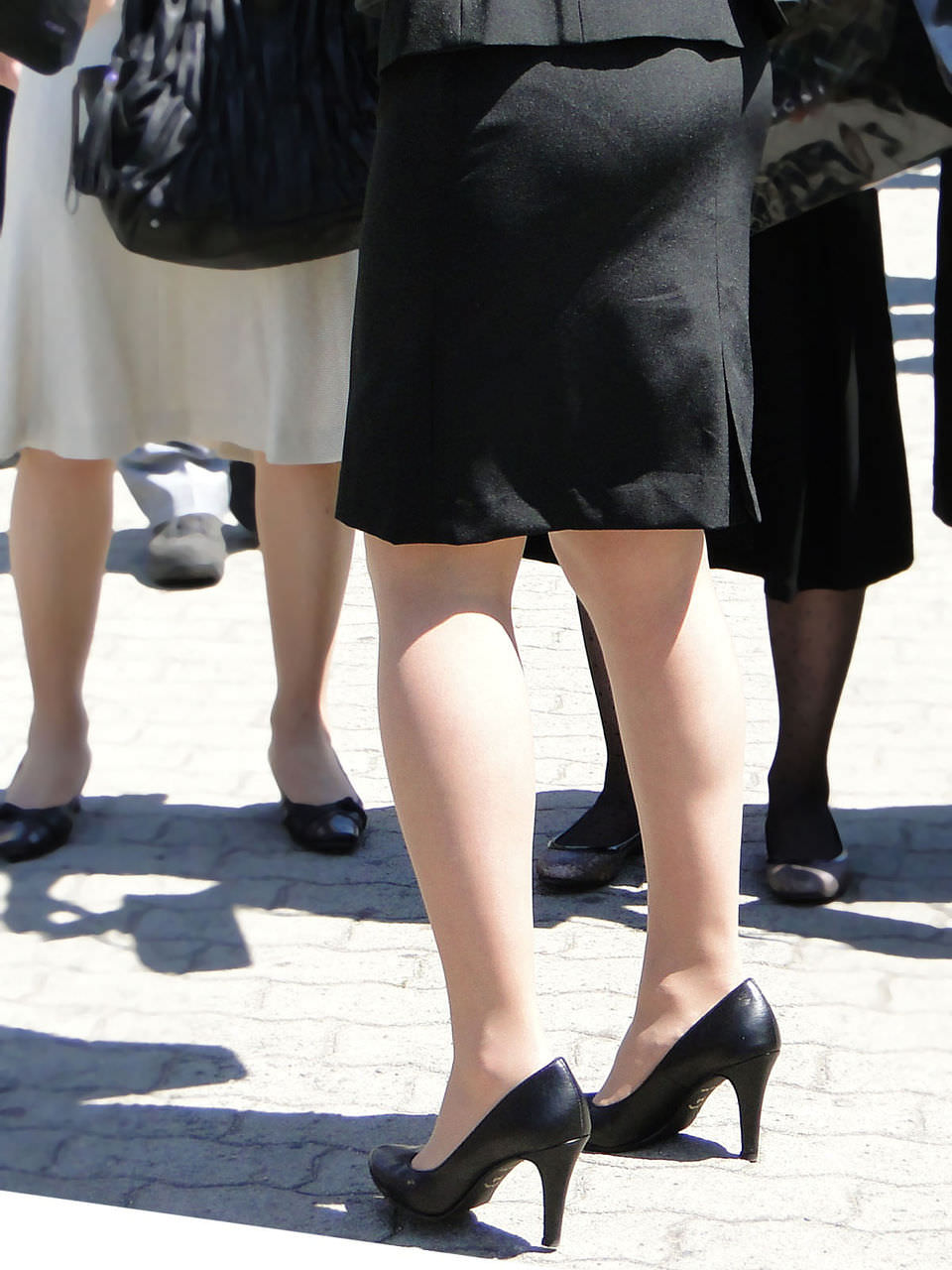 スーツ姿のOLのお尻を街撮りしたエロ画像 474