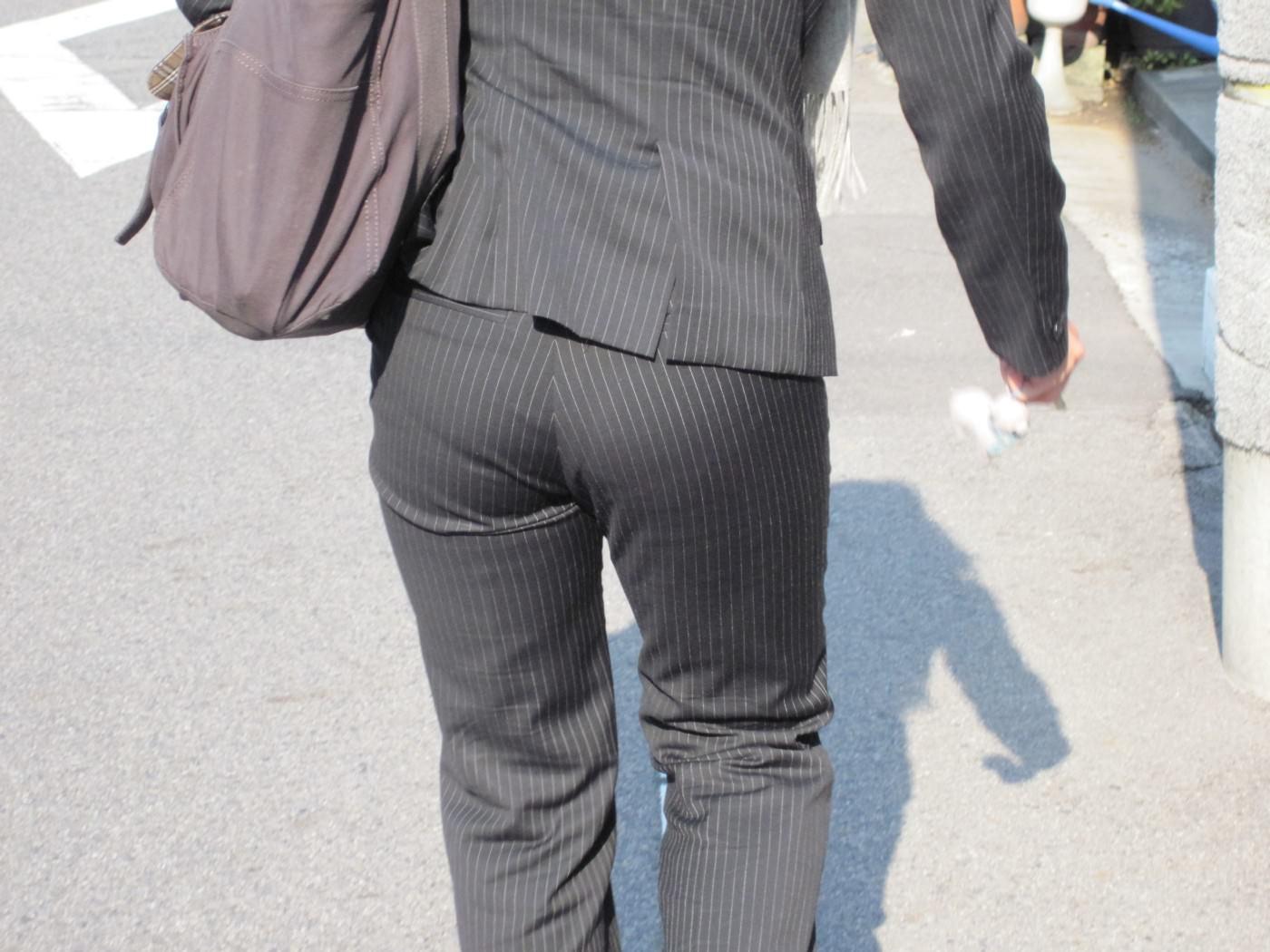 スーツ姿のOLのお尻を街撮りしたエロ画像 774
