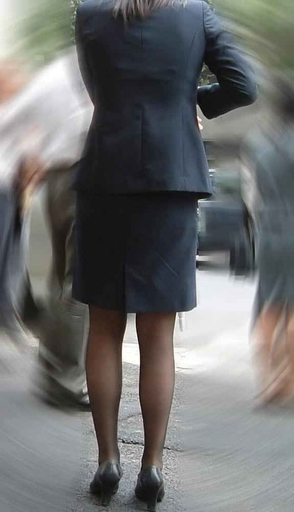 黒パンストで街を歩くOLやお姉さんたちのエロ画像 779