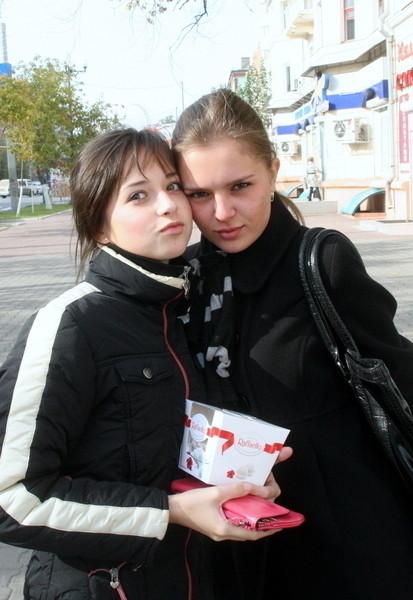 ロシア人の激カワ素人娘の自画撮りや街撮りのエロ画像 813