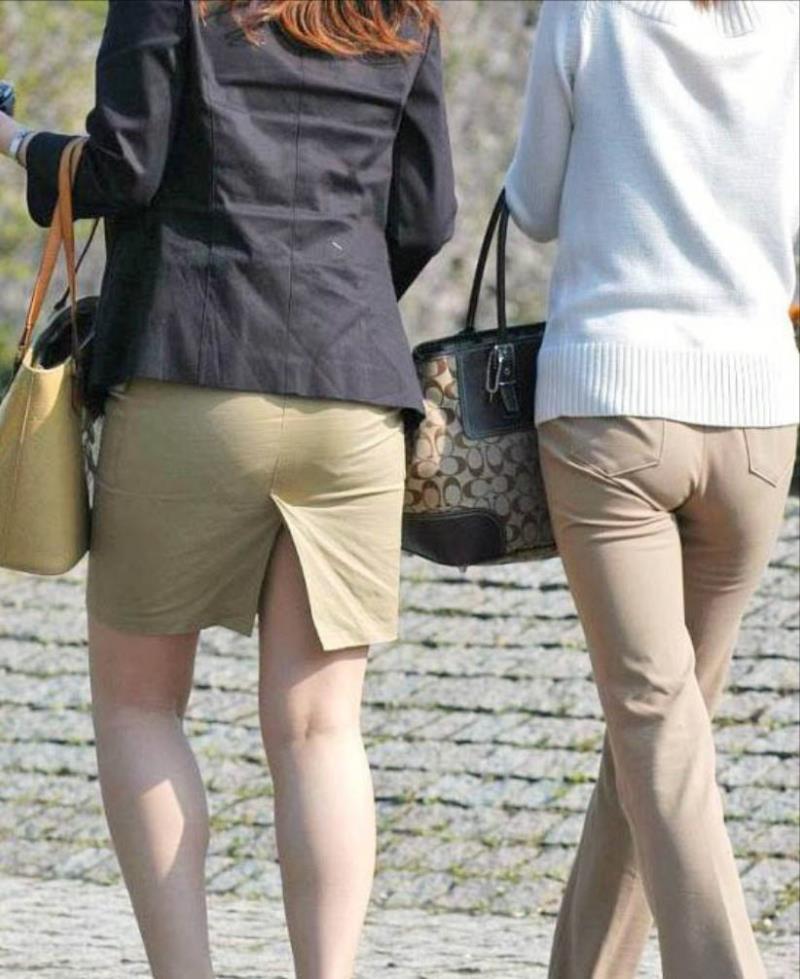 タイトスカートを履いた素人OLの街撮りエロ画像 951