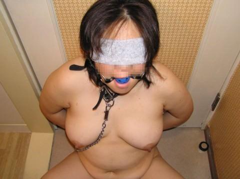 生意気な女を緊縛してソフトSMプレイで調教中のエロ画像 11102