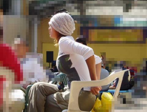 視線が釘付けになる事間違いない巨乳娘の着衣おっぱいエロ画像 1117