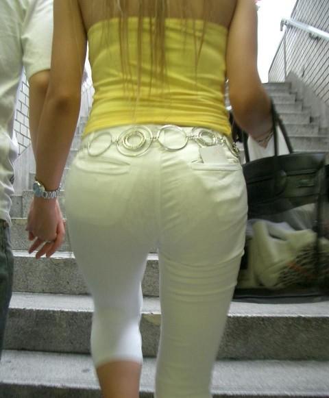 ズボンやスカートにパンツが透けてるお尻の街撮りエロ画像 1519