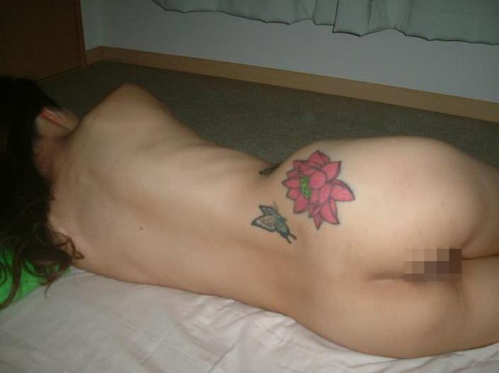 刺青やタトゥーを入れてる女達のヤバいエロ画像 2289