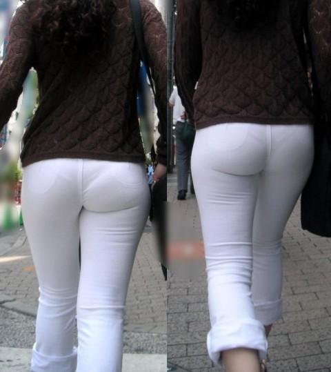 ズボンやスカートにパンツが透けてるお尻の街撮りエロ画像 245