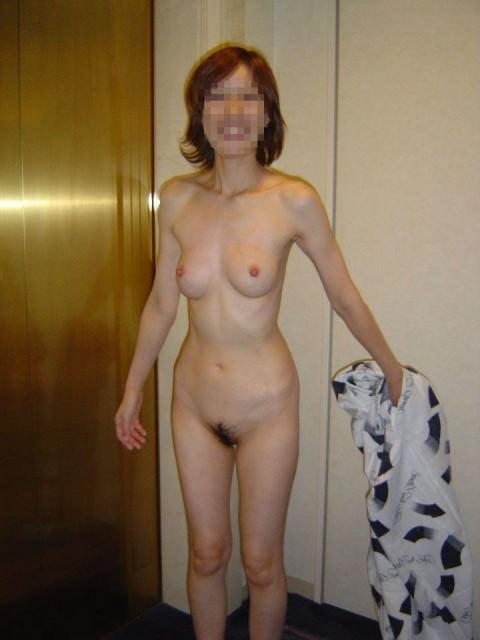 熟女ならではの体付きが堪らない不倫中のセフレ人妻エロ画像 248