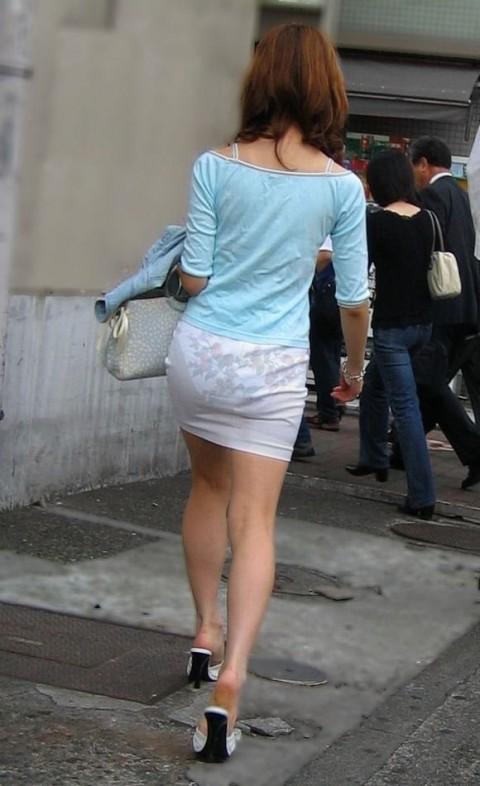 ズボンやスカートにパンツが透けてるお尻の街撮りエロ画像 254