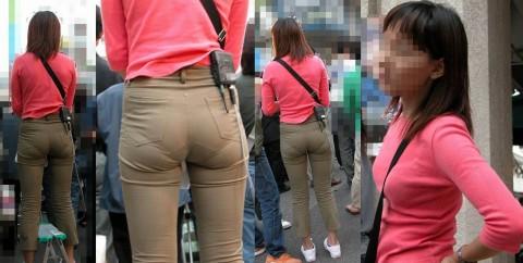 ズボンやスカートにパンツが透けてるお尻の街撮りエロ画像 263