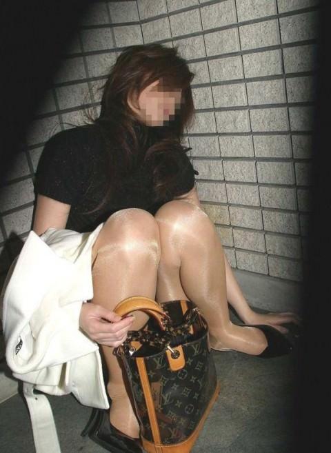 泥酔した女子が恥ずかしい姿になってるヤバい街撮りエロ画像 448