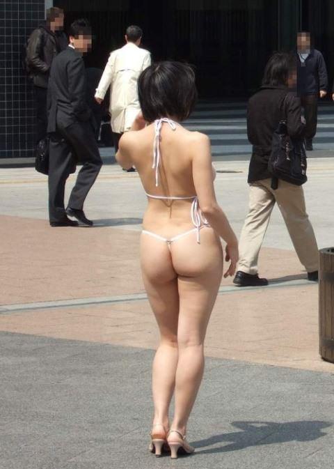 刺激を求め続ける女が行き着いた結果の露出エロ画像 761