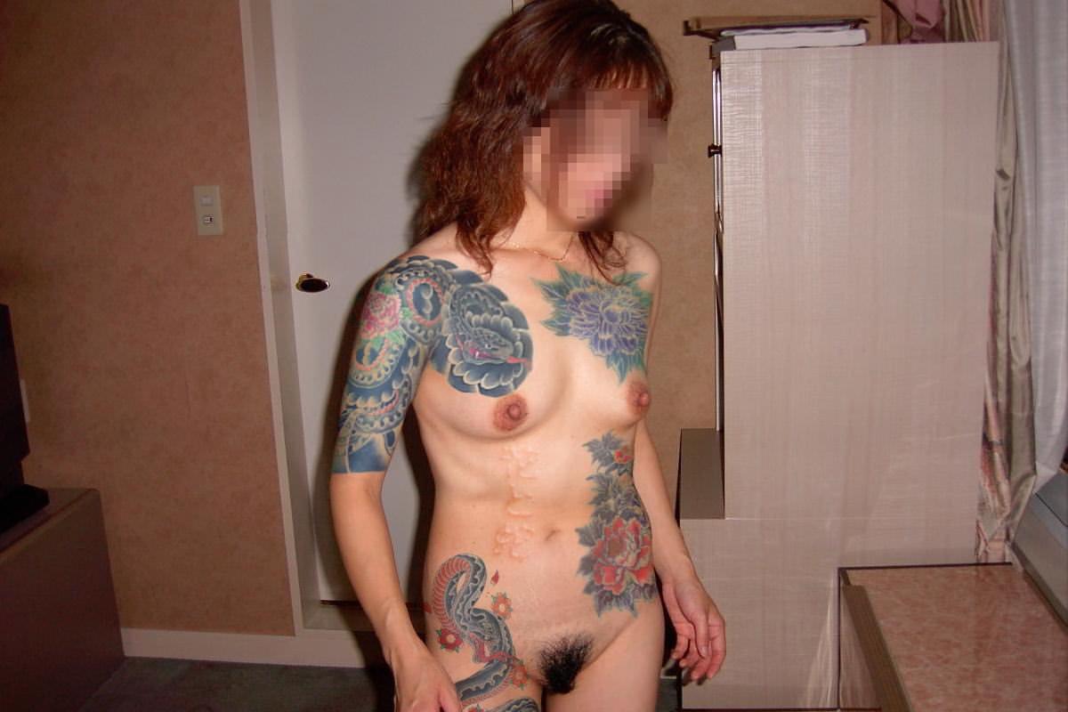 刺青やタトゥーを入れてる女達のヤバいエロ画像 8108