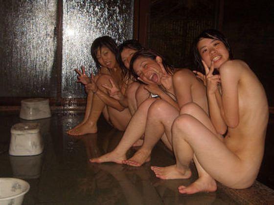 温泉慰安旅行でピンクコンパニオン呼ぶより、素人客ナンパして朝までアソビたいwww 0914