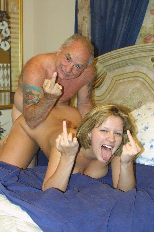 挑発的な態度で男をセックスに誘う外人エロ画像 1159