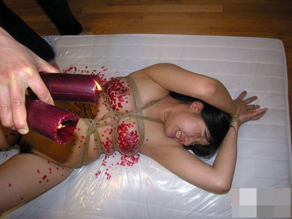 ハードな緊縛調教で体を痛めつけるヤバいSMエロ画像 1375