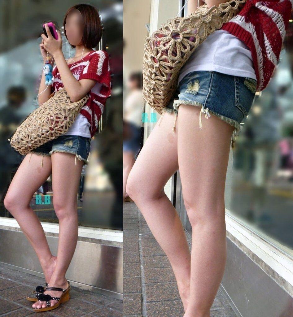 ショートパンツを履いてムチムチした太ももを露出する女の子の街撮りエロ画像 1405