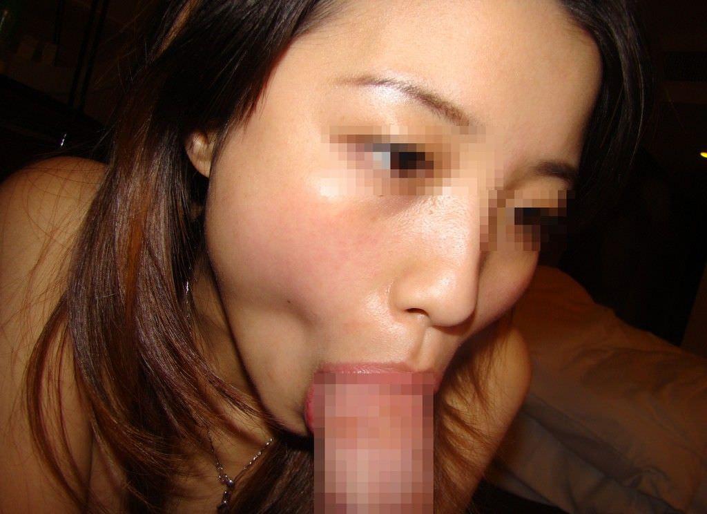 たっぷり唾液をつける濃厚フェラをする素人娘のエロ画像 16134