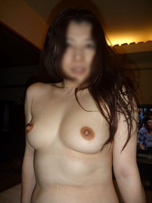 肉感的な人妻熟女のおっぱいにしゃぶり付きたい素人エロ画像 170