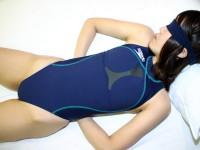 競泳水着のコスプレでドスケベエッチしてる変態女子のエロ画像