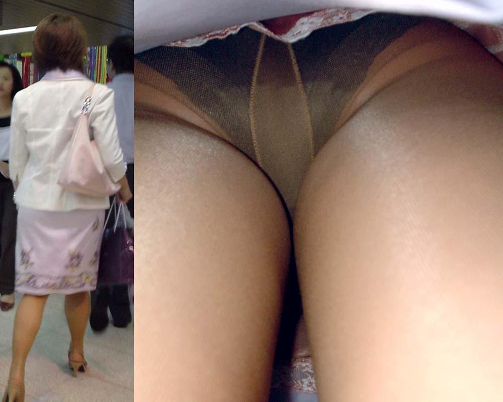 パンスト履いたお姉さんたちの気になるスカートの中のパンチラ画像 17101