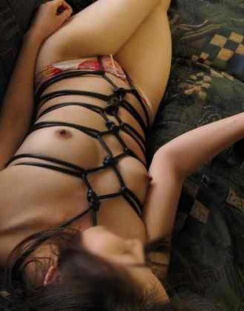 彼氏に上手に縛ってもらった彼女やセフレの緊縛エロ画像 188