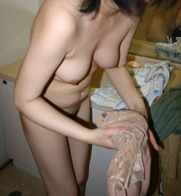 肉感的な人妻熟女のおっぱいにしゃぶり付きたい素人エロ画像 2116