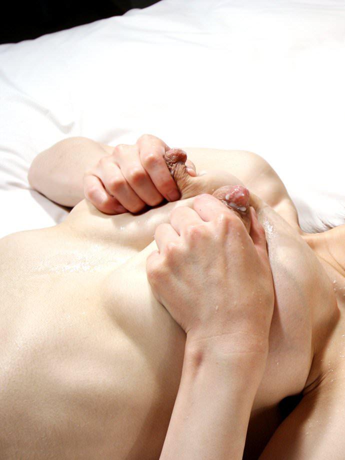 赤ちゃん産んですぐに不倫する母乳妻のエロ画像 22112