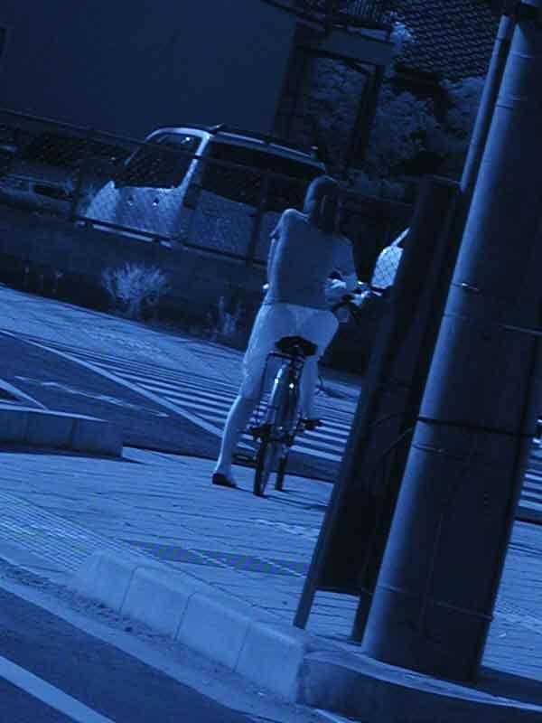 赤外線カメラを使っておっぱい丸透けの街撮りエロ画像 24106
