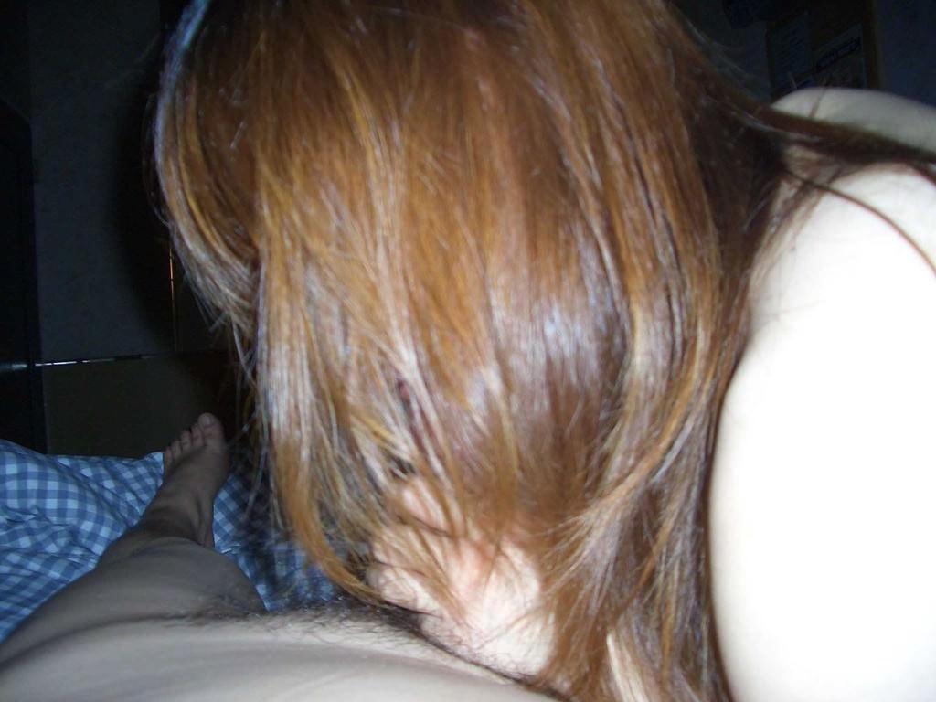 たっぷり唾液をつける濃厚フェラをする素人娘のエロ画像 2501