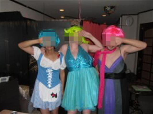 ハプニングバーでこっそり隠し撮りされたエロ女たちの醜態をご覧くださいwwww 2730 1