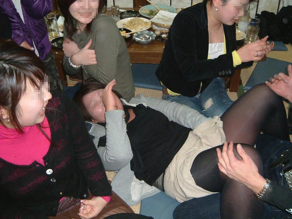 酒が回ってハメ外し過ぎな女達のヤバいエロ画像 2814