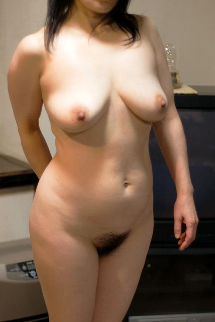 肉感的な人妻熟女のおっぱいにしゃぶり付きたい素人エロ画像 286