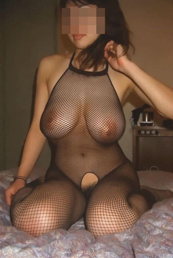 でろーんと垂れた素人娘の巨乳おっぱいエロ画像 2866