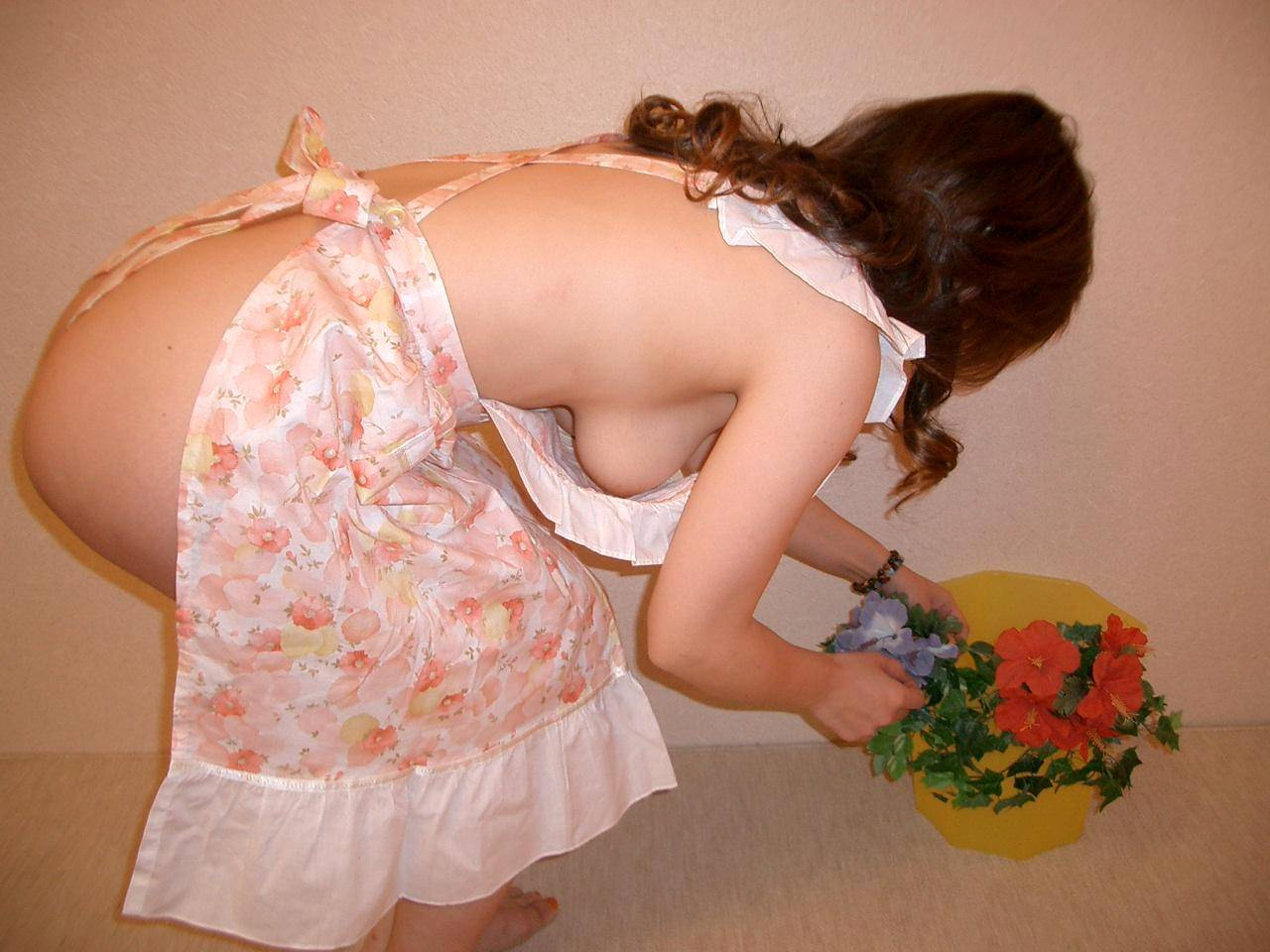 肉感的な人妻熟女のおっぱいにしゃぶり付きたい素人エロ画像 294