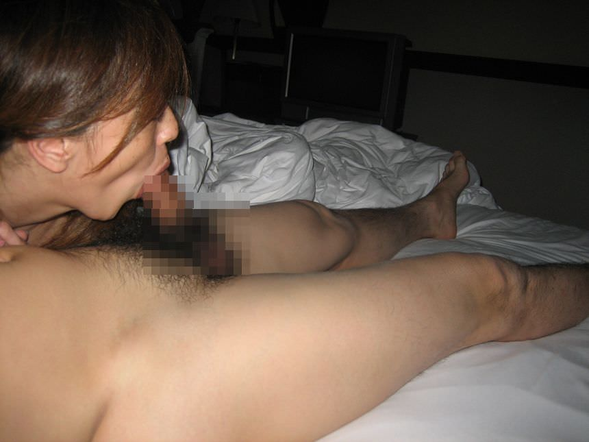 たっぷり唾液をつける濃厚フェラをする素人娘のエロ画像 3181