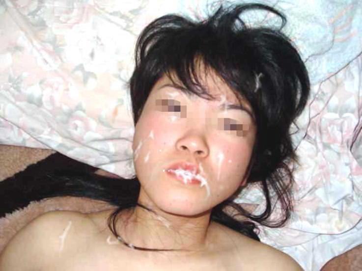 素人なのに彼氏に大量に顔射された彼女のエロ画像 353