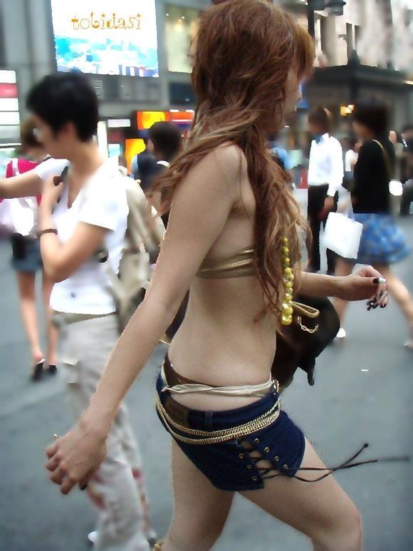外が天国に思えてくる女達の街撮りエロ画像 3811