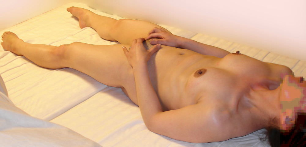 ドスケベ女のつま先に力が入る程感じちゃってる足ピンオナニーのエロ画像 4160