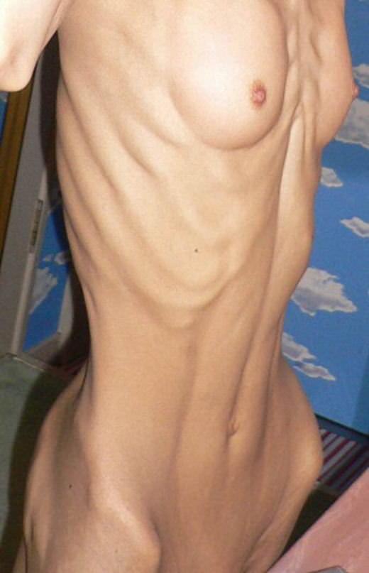 ガリガリボディーの貧乳女のエロ画像 5118