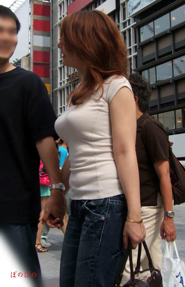 街撮りした素人娘たちの着衣おっぱいの横乳エロ画像 9128