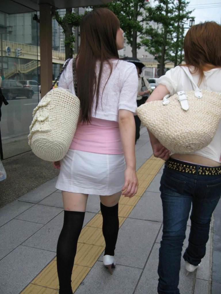 夏も終わるし街で見かけたパンツ透け透け娘の街撮り放出wwww 0463