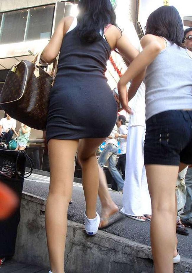 夏も終わるし街で見かけたパンツ透け透け娘の街撮り放出wwww 0466
