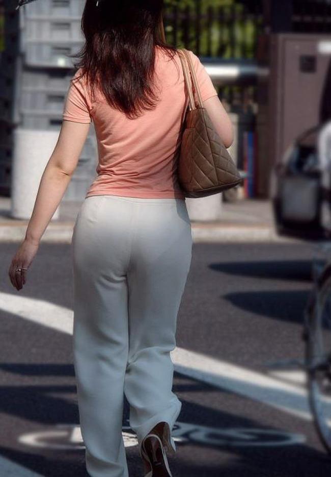 夏も終わるし街で見かけたパンツ透け透け娘の街撮り放出wwww 0472