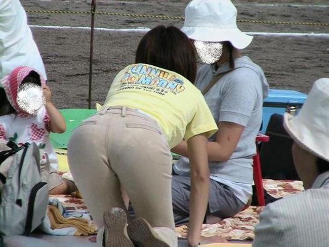 夏も終わるし街で見かけたパンツ透け透け娘の街撮り放出wwww 0488