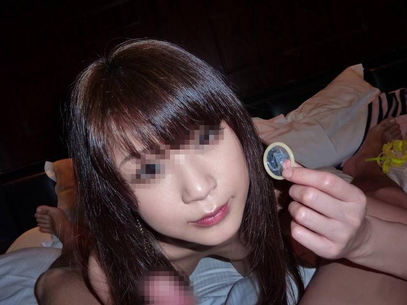 エッチモードに入ってる彼女のコンドームを付ける姿のエロ画像 168