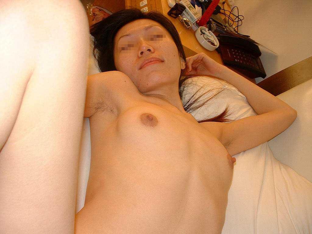 処理を忘れてる女のワキ毛に妙に興奮するセックスエロ画像 921