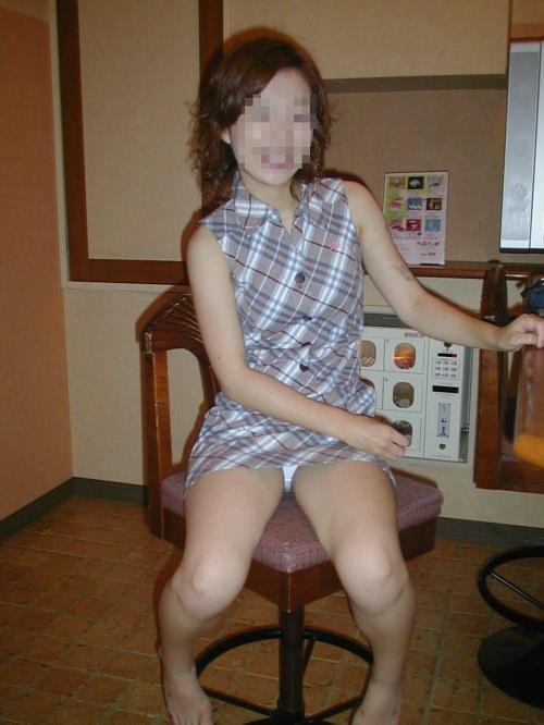 隠し撮りやアクシデントで股間のパンティを見られた素人エロすぎ勃起したwww 0943