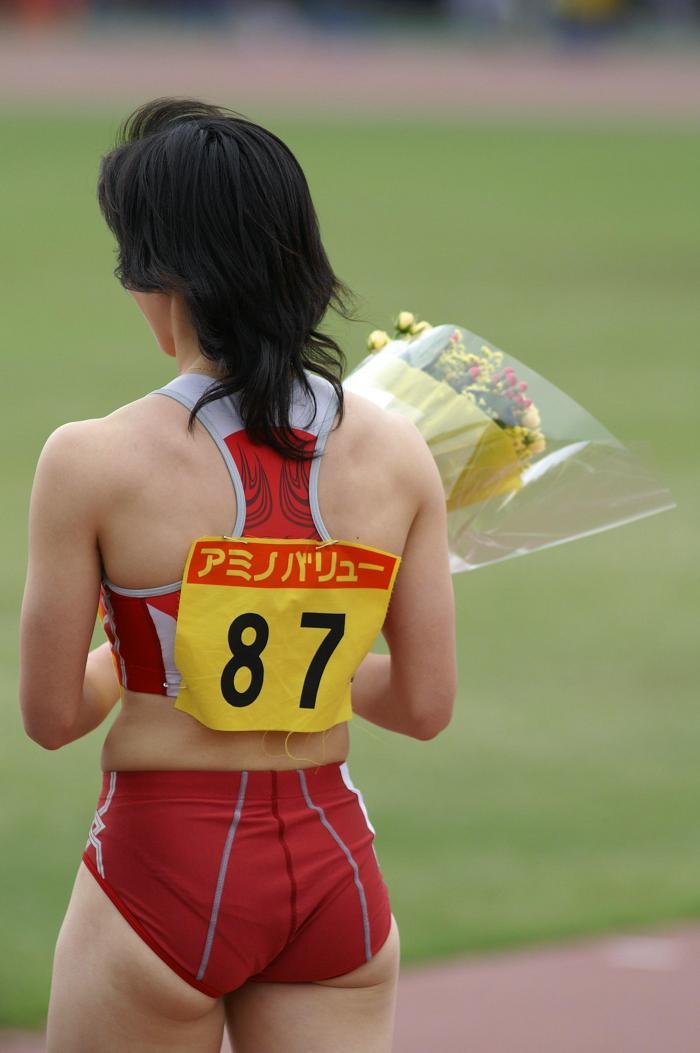 女子陸上選手のむっちりお尻がオナニーに最適なスポーツ系エロ画像 930